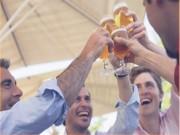 Vì sao người Nhật uống nhiều rượu bia mà không bị rối loạn tiêu hóa?
