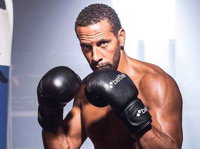 """Học """"thần thủ"""" Mayweather, Rio Ferdinand luyện chiêu boxing độc 1"""