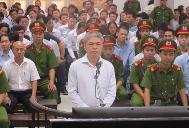 Xét xử đại án OceanBank: Luật sư đề nghị không tử hình Nguyễn Xuân Sơn - 1