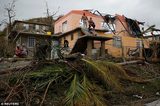 Video cảnh vỡ đập khủng khiếp do siêu bão ở Puerto Rico - 1