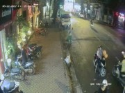 An ninh Xã hội - Clip cặp vợ chồng chở theo con nhỏ táo tợn trộm xe máy trên phố