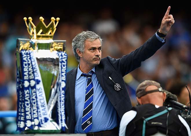 Thuyết âm mưu: Mourinho thoát án & bàn tay sếp lớn nâng đỡ MU vô địch 3
