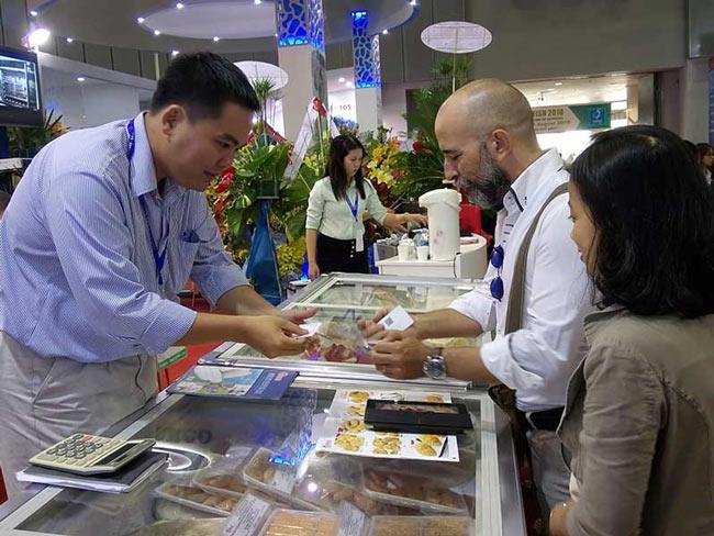 Báo động nguy cơ hải sản Việt bị phạt thẻ đỏ - 2