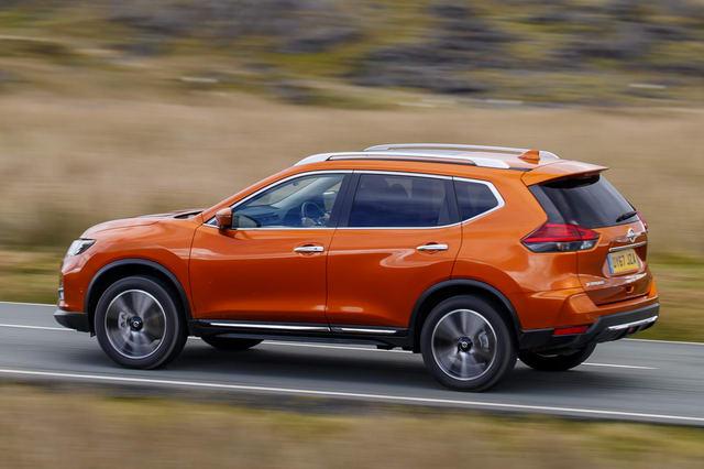 Nissan X-Trail 2018 có giá từ 717 triệu đồng - 4