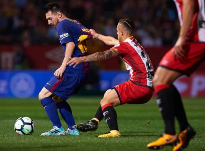 """Messi """"tịt"""" trước SAO 20 tuổi: Sóng dữ chờ """"siêu nhân"""" và Barca 1"""