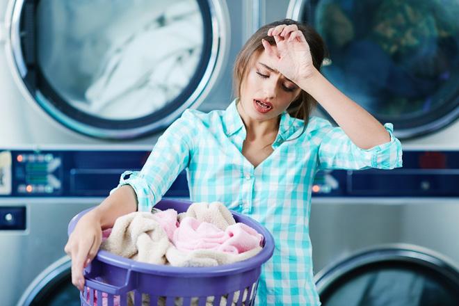 """""""Cuộc chiến"""" giặt quần áo sạch hoàn hảo của phụ nữ - 1"""