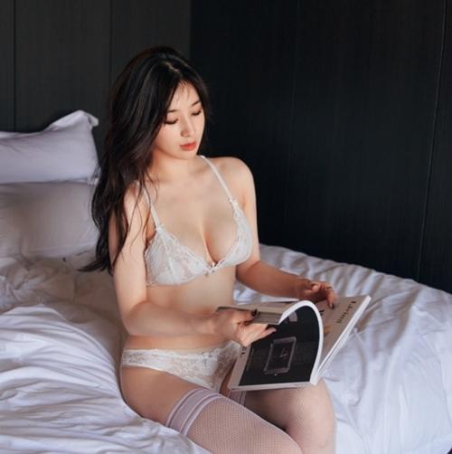 Đây chính là nữ thần mới nổi sở hữu khe ngực đẹp nhất Hàn Quốc