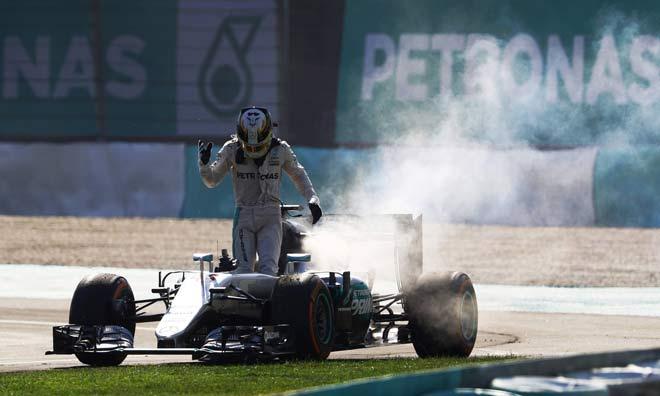 """Đua xe F1: Áp dụng """"bàn tay sắt"""", cả làng run sợ 2"""