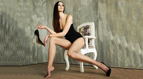 Loạt ảnh gây choáng về đôi chân thon, dài nhất quả đất - 3