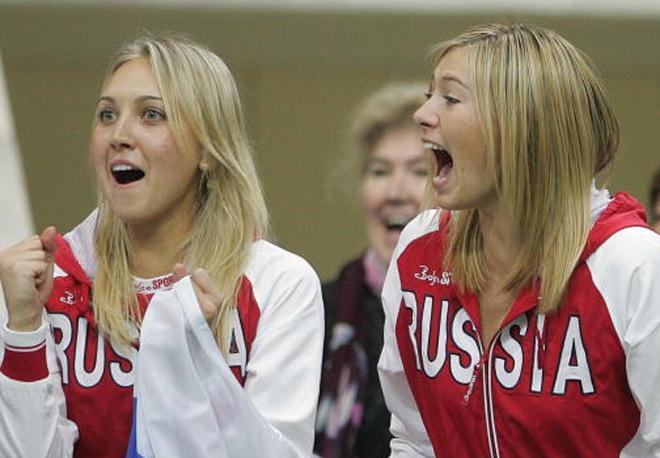 """Sharapova 1 năm """"cắm mặt mà đi"""": Kiều nữ bênh 1 câu, ngẩng cao đầu 1"""