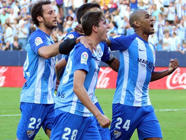 """Bàn thắng đẹp vòng 7 Liga: Messi diễn tuyệt kỹ Rô """"béo"""", thủ môn hóa chú hề - 1"""