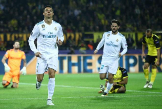 Ronaldo chói lọi 400 trận: Vua ghi bàn Cúp C1, Messi khóc ròng quy phục 6
