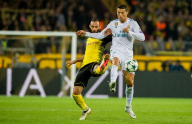 Ronaldo chói lọi 400 trận: Vua ghi bàn Cúp C1, Messi khóc ròng quy phục 7