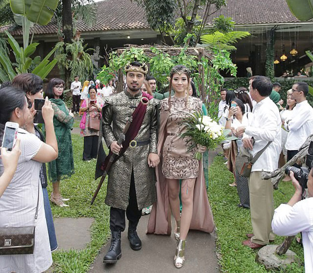 Chi hơn 300 triệu để có đám cưới như vua chúa trong phim - 2