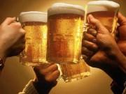 """""""Bóc mẽ"""" cách uống rượu bia không đỏ mặt của những người tửu lượng cao"""
