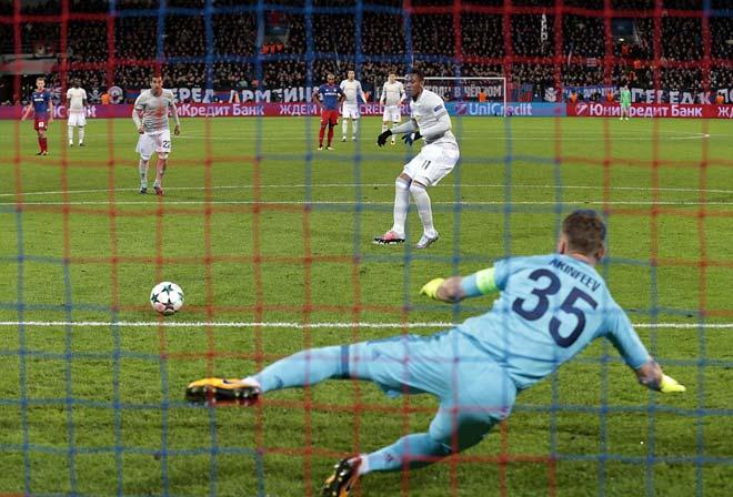 """Lukaku """"hóa hổ"""" 9 bàn 9 trận, MU tiếp tục hoàn hảo 6"""