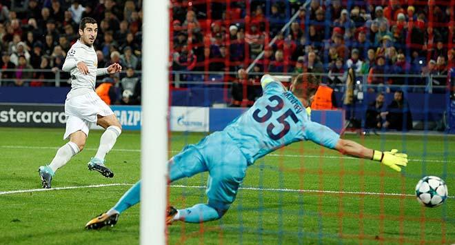 """Lukaku """"hóa hổ"""" 9 bàn 9 trận, MU tiếp tục hoàn hảo 9"""