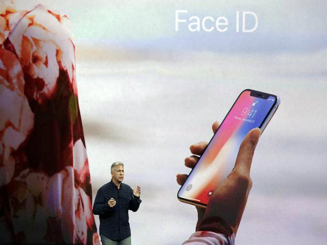 """Camera iPhone X """"độc cô cầu bại"""" được mấy năm nữa? - 2"""