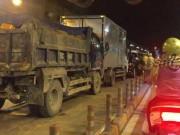 Tin tức trong ngày - 5 ô tô đâm nhau loạn xạ trong hầm vượt sông Sài Gòn, giao thông tê liệt