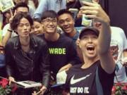 """Thể thao - Mỹ nhân Sharapova tới Trung Quốc: Triệu fan nam phát cuồng """"ăn chực nằm chờ"""""""
