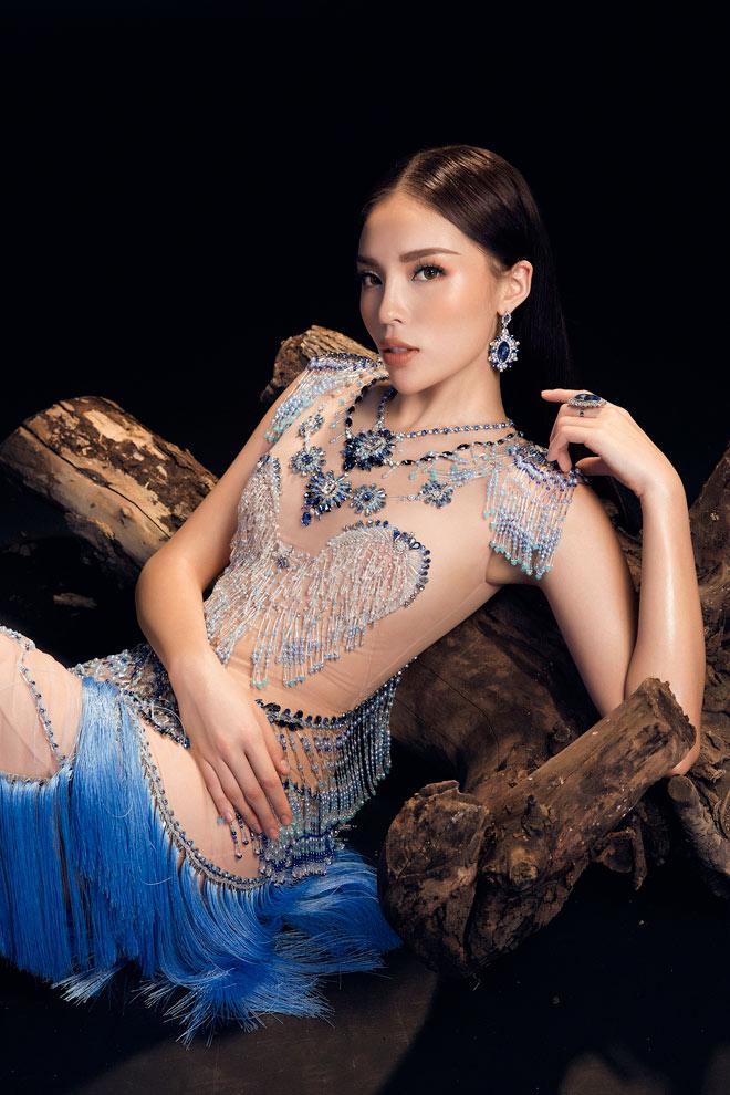 """Top váy """"mặc như không"""" gây xôn xao nhất của mỹ nữ Việt - 3"""