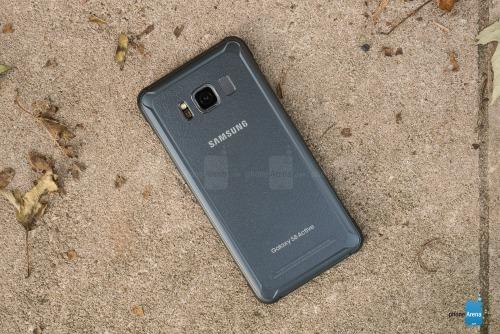 """Đánh giá Samsung Galaxy S8 Active: Bền hơn, pin """"khủng"""" hơn - 9"""