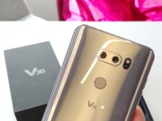 """Video: Mở hộp LG V30 hỗ trợ quay video 4K cực  """" chất """""""
