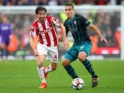 Stoke - Southampton: Siêu anh hùng cao kều