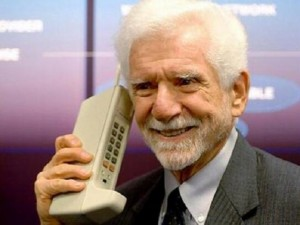 """Điện thoại - """"Cha đẻ của điện thoại di động"""" chê iPhone 6S """"vô vị, nhàm chán"""""""