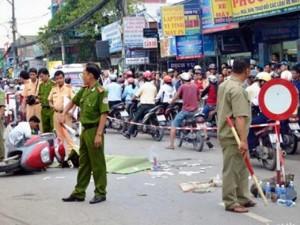 Tin tức trong ngày - Xe khách, xe buýt rời khỏi hiện trường tai nạn chết người
