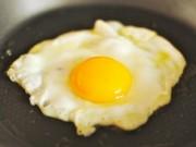 Sức khỏe đời sống - 6 loại thực phẩm là 'thuốc độc' khi ăn tái hoặc sống