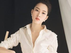 Thời trang bốn mùa - Hoa hậu Đặng Thu Thảo gợi cảm vẫn sang trọng
