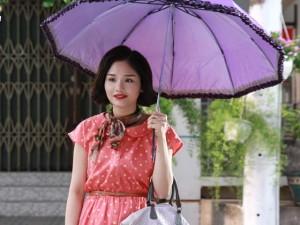 """Hậu trường phim - Video: Miu Lê tự tuột áo, tố Hứa Vĩ Văn """"sàm sỡ"""""""