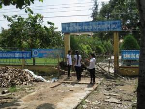 Giáo dục - du học - Cổng trường bị bít, học sinh nghỉ học