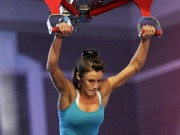 Thể thao - Clip triệu lượt share: Nữ VĐV vào CK Ninja Mỹ gây ''bão''