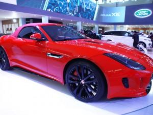 Ô tô - Xe máy - Cận cảnh chiếc Jaguar F-Type R tại Hà Nội