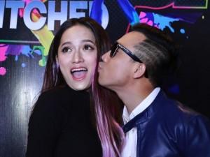 Ca nhạc - MTV - Trấn Thành, Hương Giang liên tục hôn nhau trong sự kiện