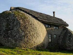 Chuyện lạ - 10 ngôi nhà xấu xí nhất thế giới