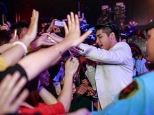 Ca nhạc - MTV - Noo Phước Thịnh, Đông Nhi cháy hết mình dưới mưa lạnh HN