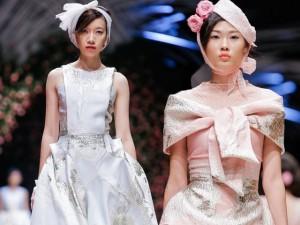 Thời trang - Mẫu Việt hóa quý cô thập niên 50 yêu kiều, thanh lịch