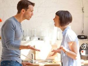 Bạn trẻ - Cuộc sống - Vợ chồng lục đục vì chuyện mua quà tặng cô ngày 20.10