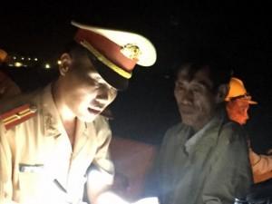 """Tin tức trong ngày - Thi công """"lén lút"""" trên cao tốc Trung Lương-TP.HCM"""