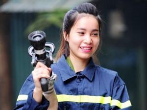 Tin tức trong ngày - Một ngày làm việc của những nữ cảnh sát PCCC