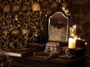 Du lịch - Rợn người ngủ đêm trong hầm mộ cùng 6 triệu hài cốt