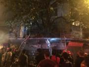 Video An ninh - Hà Nội: Cháy lớn tại cửa hàng lưu niệm trên phố Hàng Mã