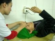 Sức khỏe đời sống - Sợ mổ mắt, nhiều người bị mù oan