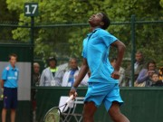 Thể thao - Tennis: Ôm bụng cười với cú smash tệ nhất năm
