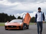 """Thể thao - Massa """"phiêu"""" cùng siêu xe của James Bond"""