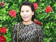 Ca nhạc - MTV - Mẹ Hồ Ngọc Hà đi sự kiện thay con gái