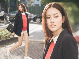 Bạn trẻ - Cuộc sống - Hot girl Hà Lade khoe chân dài trên phố đông Hà Nội